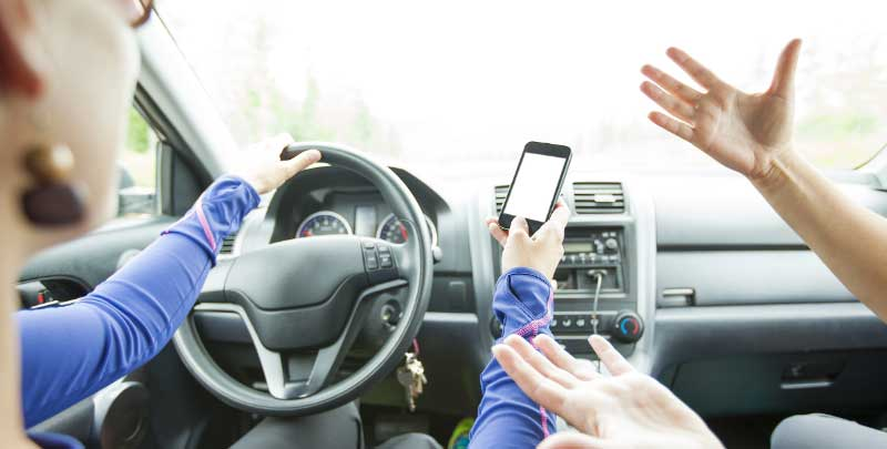 How Cell Phones Play a Role in Orlando Car Accidents